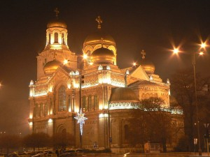 800px-Cathedral_at_christmas_in_Varna,_Bulgaria